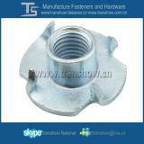 Galvanisierter Stahl stempelte 4 Zinken T-Muttern