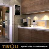 De houten Keukenkast van Furnitures MFC van de Keuken met de TegenBovenkanten tivo-0047V van het Kwarts