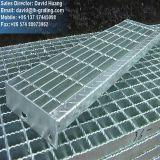 Pisadas Grating de acero galvanizadas de la INMERSIÓN caliente para la escala de acero