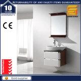 Шкаф мебели ванной комнаты лака лоска установленный стеной с зеркалом