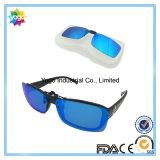 Le clip sur des lunettes de soleil avec le cas a polarisé la chiquenaude de lentille pliant des lunettes de soleil