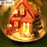 2017 Dollhouse de madeira popular do brinquedo DIY com esfera de vidro