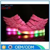 Nuevos zapatos ligeros del resorte y del otoño, zapatos de las luces del muchacho LED