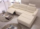 L sofà dell'angolo del cuoio di figura