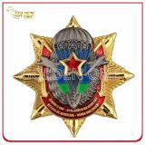 軍の部門のためのカスタマイズされた役人の金によってめっきされる金属の警察のバッジ