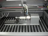 Estaca do laser e máquina de gravura para o troféu acrílico de madeira das chapas