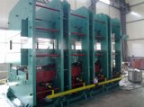 Qingdao 고무 장을%s 압박 기계를 치료하는 고무 기계 플래튼