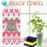 贅沢で熱いベロアの写真のビーチタオル