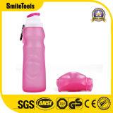 la bottiglia pieghevole del silicone della bevanda 550ml mette in mostra la bottiglia di acqua