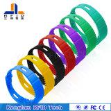 Wristband elegante modificado para requisitos particulares del silicón de la varia viruta RFID para el paquete del aeropuerto