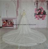 Тяжелое отбортовывая платье венчания высокой шеи отделяемое