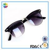 Lunettes de soleil UV400 polarisées par marque femelle célèbre de mode de cru