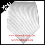 Relations étroites en soie blanc tissées minces de marque de distributeur fabriquée à la main de Mens
