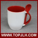 Кружка кофеего двойного цвета керамическая с ложкой