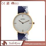Reloj de señoras impermeable del cuarzo exacto simple