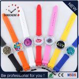 Montre promotionnelle bon marché de silicones de dames de mode de cadeau (DC-1203)