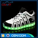 El nuevo corte del colmo de la manera se divierte los zapatos ligeros de los deportes de los zapatos LED