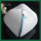 世帯の下着のブラの洗濯の網の純洗浄ジッパー袋
