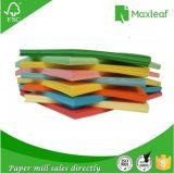 Papel de empaquetado del color A4 con la pulpa de madera