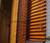 Rideaux en guichet en bois - abat-jour vénitiens en bois