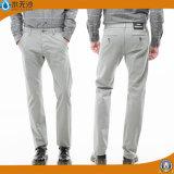 O tipo de tela de algodão dos homens diretos da fábrica arfa calças ocasionais do algodão