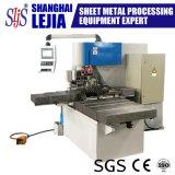 Пробивая работника утюга CNC гидровлическая совмещенная и режа машина