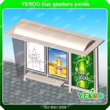 La publicité de l'abri d'arrêt de bus avec le cadre léger