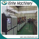 Ligne en plastique de production à la machine d'extrusion de profil en bois de porte de qualité