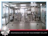 Botella automática que hace la máquina para el agua mineral