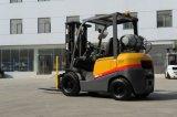 Forklift da aparência 2.5ton LPG de Tcm com os motores japoneses de Nissan K25/K21