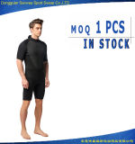 UV imperméables à l'eau de la chemise courte de l'homme du néoprène protègent Surfingsuit plongeant