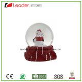 Globo pintado a mano del agua de la resina con la estatuilla de los ciervos para el regalo de la Navidad y la decoración casera