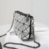 Le ruban géométrique rhombique argenté d'unité centrale enchaîne le sac de femmes (B008)