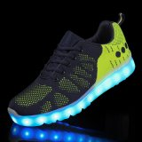 Men&Women 성숙한 LED 가벼운 운동화가 2016 가장 새로운 디자인에 의하여 시뮬레이션에 의하여 주문을 받아서 만들어진 LED 구두를 신긴다