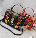 새로운 디자인 숙녀 핸드백 자수 꽃 형식 여자 Sy8140를 위한 최신유행 어깨에 매는 가방