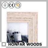 Cornice di legno misera della famiglia per la decorazione
