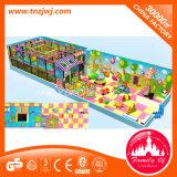 Спортивная площадка лабиринта цветастых малышей превосходная крытая
