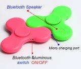 Hilandero ligero plástico vendedor caliente de la persona agitada de la mano del dedo del juguete LED de la persona agitada 2017 con el altavoz de Bluetooth