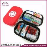 キャンプする医学的な緊急事態エヴァの救急処置ボックスをハイキングする