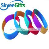 Wristbands variopinti in bianco promozionali del silicone per il regalo all'ingrosso