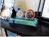 Sostenedor de acrílico verde de la moneda (2 monedas)