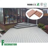 Plancher composé en plastique en bois extérieur imperméable à l'eau de Decking de WPC