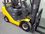 Un LPG Forklift com Container Mast e Side Shift (FGL18T)