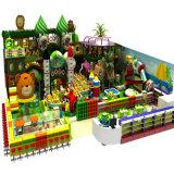 Campo de jogos interno das crianças relativas à promoção do centro comercial
