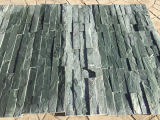 新しく自然な石造りの屋根ふきスレートのタイル、緑のスレート