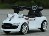 Езда RC на малолитражном автомобиле автомобиля с светом и нот