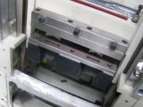 Velcro Tape Cutting Machine con un Hardware Die