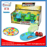 Schnellfahren, Miniauto-Schuh-Spielzeug mit Bleistiftspitzer-Süßigkeit fahrend