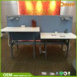 4人のための流行デザイン高さの調節可能な机