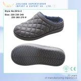 暖かい身に着けている男女兼用の靴のエヴァの庭の障害物